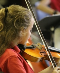 girl_violin Association of Classical Christian Schools (ACCS)